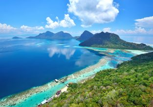 WOW! 10 night stay in top-rated hotel in exotic Sabah, Malaysian Borneo + flights from London from only £382!
