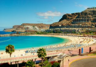 Cheap vacation in Gran Canaria! 7-night stay at top-rated apartment & flights from UK for just £96!