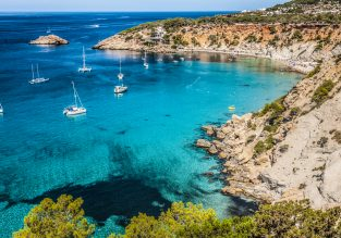 Spring break in Ibiza! 6 nights at well-rated aparthotel + cheap flights from Switzerland for just €130!