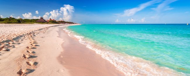 High season! 7-night stay in top-rated hotel in Playa del Carmen + cheap flights from Chicago for $277!