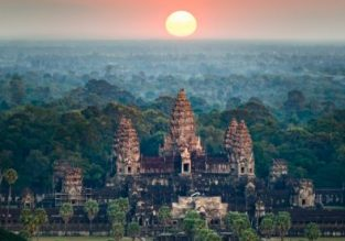 Weekend trip to Angkor Wat! 3-night B&B stay in top-rated 4* hotel in Siem Reap + flights from Bangkok for $99!