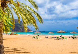 Cheap flights from London to Tenerife for only £22!