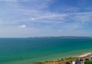 3* Suncliff Hotel in Bournemouth for only £21/ $30 per night!