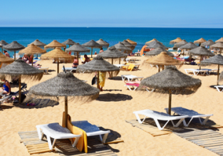 MAY: 7-night stay at well-rated aparthotel in Algarve + flights from UK cities for just £129!