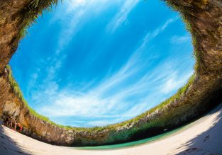 PEAK SUMMER! Cheap flights from Vancouver to Puerto Vallarta for just $273/C$359!