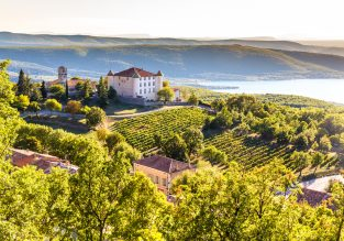 XMAS week in Southern France! 7 nights at well-rated resort + cheap flights from London for £129!