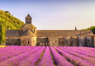 MAY! 7 nights at well-rated countryside resort in Provence, France + cheap flights from London for only £142!