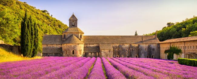 Spring break in lovely Provence! 4 nights at well-rated 4* countryside resort + cheap flights from London for only £78!