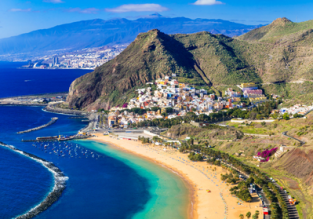 Cheap flights from Germany to Tenerife for only €30!