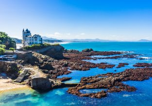 7-night stay at well-rated hotel in charming Biarritz + cheap flights from London for just £96!