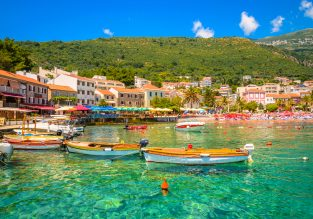 MAY! 7-night stay at sea view apartment in Montenegro + flights from Stockholm for only €86!
