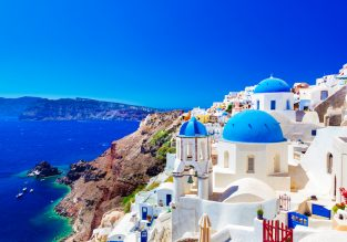 Santorini escape! 7-nights in well-rated hotel + flights from UK from only £147!