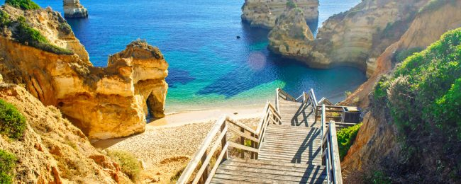7-night stay at well-rated aparthotel in Algarve + cheap flights from London for just £90!