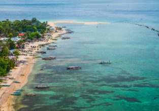 7-night stay in beachfront bungalow in exotic Panay Island, Philippines + flights from Seoul for $149!