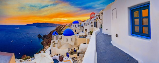 Top rated Villa Manos in Santorini Island for only €29! (€14.5/ £13 pp)