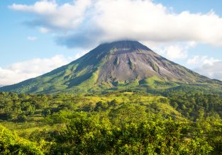 Cheap full-service flights from Washington to Costa Rica for just $275!