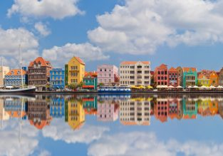 Cheap flights from Toronto to Curacao from just C$277!