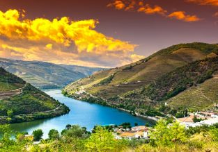 Long weekend in splendid Douro! 5-night stay at well-rated hotel + car hire & cheap flights from Paris for only €130!
