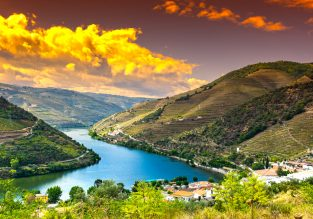 Visit splendid Douro! 5-night stay, car hire and flights from London for only £106!