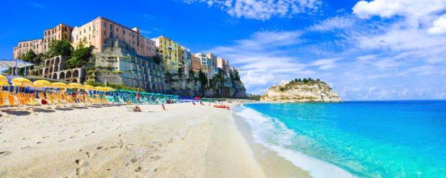 7 nights at very well-rated & sea view B&B in Calabria, south of Italy + cheap flights from London for just £148!