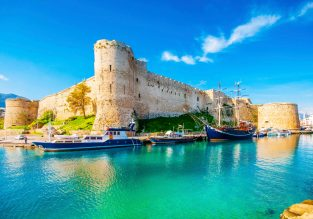 Holiday in Cyprus! 7 nights at top rated aparthotel & flights from Brussels for only €96!