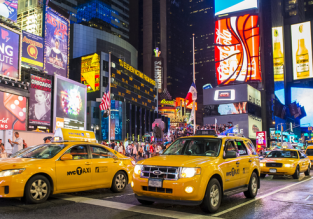 Cheap flights from Budapest to New York for just €332 with checked bag included!