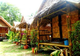 Top rated bamboo cottage in Koh Lanta Island, Thailand for only €4! (€2/£2 pp)