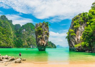 Phuket beach holiday! 10 nights at top-rated 4* resort in Phuket + flights from Amsterdam for €502!