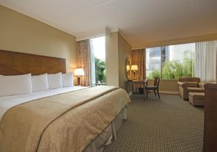 4* Omni Houston Hotel Westside for only €66! (€33/ £29 pp)