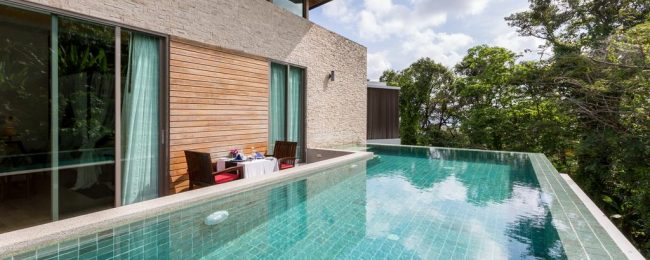 48 m² deluxe room with private hot tub at 5* Wyndham Sea Pearl Resort, Phuket for only €43! (€21.5/ $24 pp)