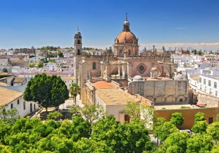 JULY! 7-night stay at Arabic-style 19th-century hotel in Andalusia + cheap flights from UK for just £168!