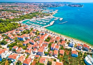 7 nights at beachfront 4* cottages resort on the Croatian coast + cheap flights from London from just £117!
