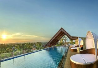7-night Bali getaway with top rated hotel stay & 5* Garuda flights from Amsterdam for only €563!