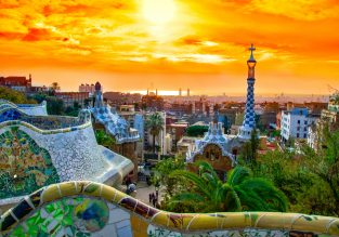 AUGUST! Cheap non-stop flights from Chicago to Barcelona for just $329!
