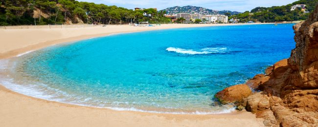 7-night Half Board stay at very well-rated 4* resort & spa in Costa Brava + cheap flights from London for just £188!