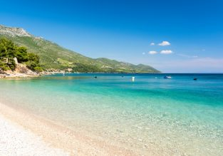 Spring week on the Croatian coast! 7-night stay at well-rated apartment + cheap flights from Prague for just €105!