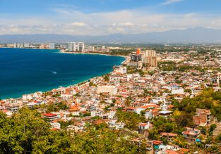 12-night stay at well-rated apartment in Puerto Vallarta + non-stop flights from UK for £448!