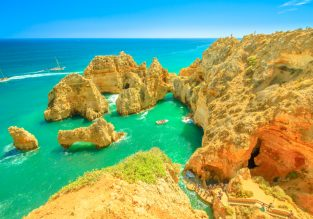 Sunny break in Algarve! 7 nights in well-rated aparthotel + flights from UK for just £93!