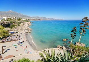 Summer vacation in Costa del Sol! 7 nights at well-rated apartment + cheap flights from London for just £152!