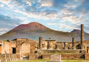 JULY! 7-night B&B stay at well-rated hotel in Naples, Italy + flights from UK for just £179!