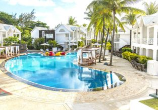 B&B stay at 4* Seaview Calodyne Lifestyle Resort in exotic Mauritius for only €34.5/ $39 per person!