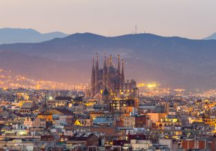 X-mas! Centrally located 4* Hotel 4 Barcelona for only €58/night! (€29/ $32 per person)