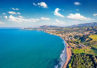 B&B stay at very well-rated & seafront 5* hotel in Sicily for just €50/night! (€25/£23 pp)