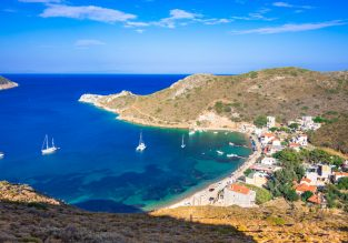 PEAK SUMMER! 7 nights in the Greek region of Peloponnese + cheap flights from UK for just £183!