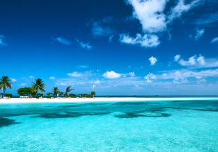 Exotic! Cheap full-service flights from Shanghai to Addu Atoll, Maldives for $360!