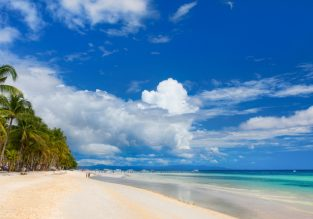 Philippines beach holiday! 12 nights in top-rated bungalow in exotic Panglao Island + flights from Rome for €437!
