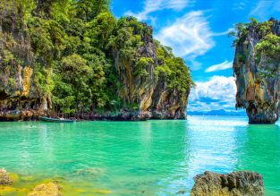 7-night stay in well-rated hotel in Phuket + flights from Kuala Lumpur for $129!