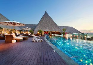 5* The Kuta Beach Heritage Hotel in Bali for only €57! (€28.5/ $32 pp)