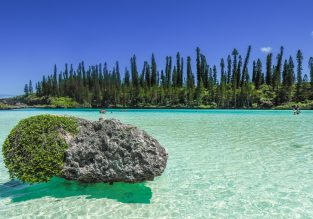 Exotic! Cheap non-stop flights from Sydney and Brisbane to New Caledonia for AU$468!