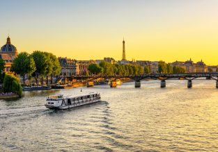 Cheap flights from Japan or South Korea to Paris from only $414!